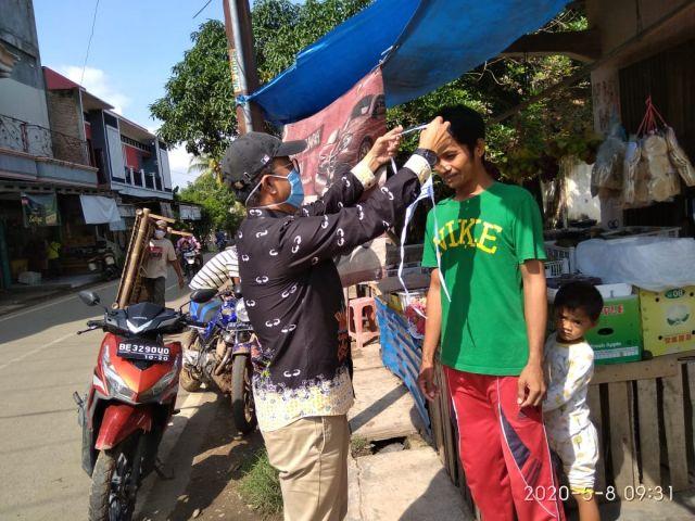 Tim Gugus Kabupaten Lakukan Monitoring pemakaian masker pada pusat pusat keramaian di Wilayah Kecamatan Pardasuka